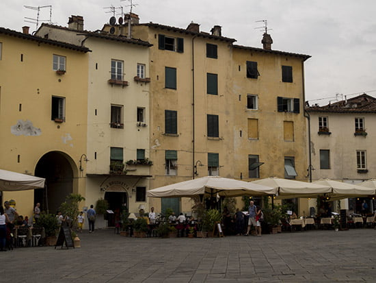 Lucca, Amphitheatre square