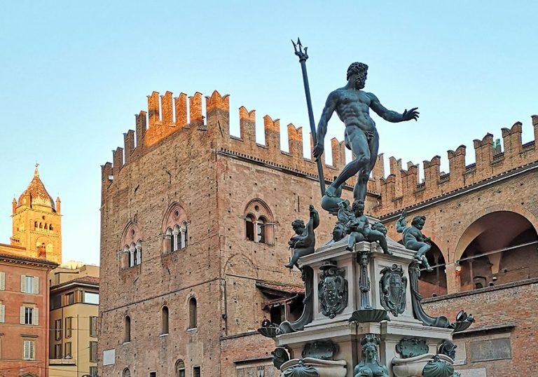 Fontanna del Nettuno, Bologna.